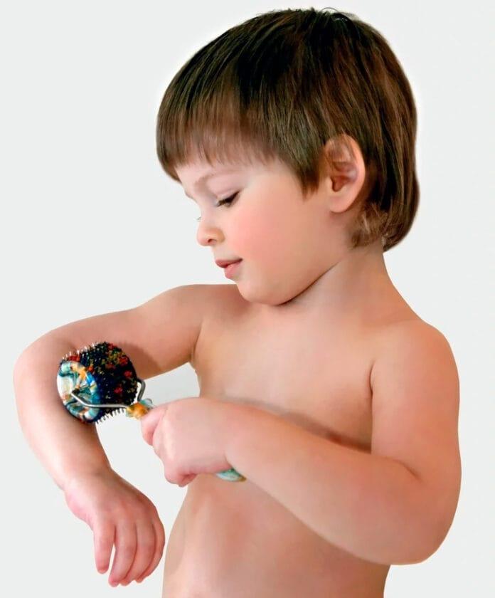Ребенок с роликом Ляпко