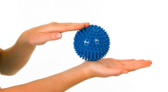 Упражнения с мячиком помогает восстановить мышцы